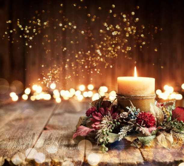 holiday candle background - christmas table foto e immagini stock