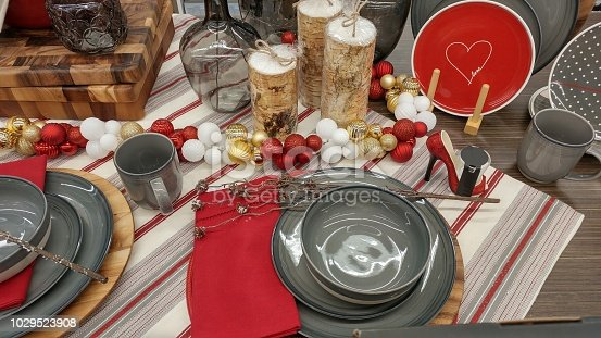 Colorful and decorative holiday dinning setup, space setting.