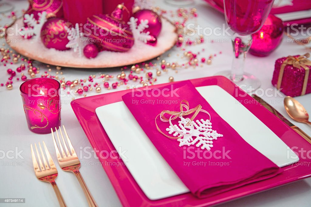 Holiday Christmas Table Setting With Fuschia Pink White And Gold
