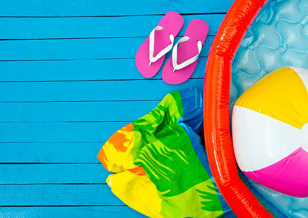 conceito de férias - brinquedos na piscina imagens e fotografias de stock