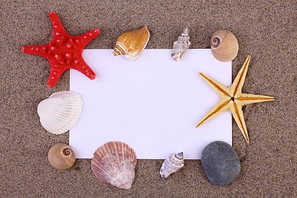 holiday concepts - newspaper beach stockfoto's en -beelden