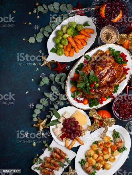 Holiday Dinner - Fotografie stock e altre immagini di A forma di stella