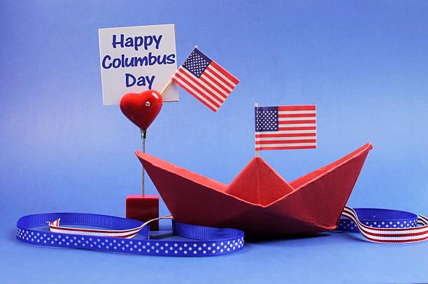 미국 휴일, 행복함 콜럼버스 일-연도 데코레이션을 선보이고 있습니다. - columbus day 뉴스 사진 이미지