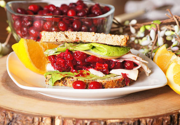 holiday sobrante sándwich - thanksgiving leftovers fotografías e imágenes de stock