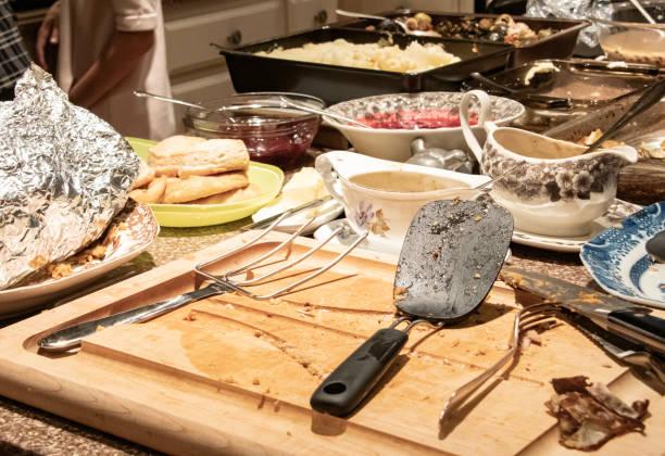 día de acción de gracias o comida de pavo de navidad - thanksgiving leftovers fotografías e imágenes de stock