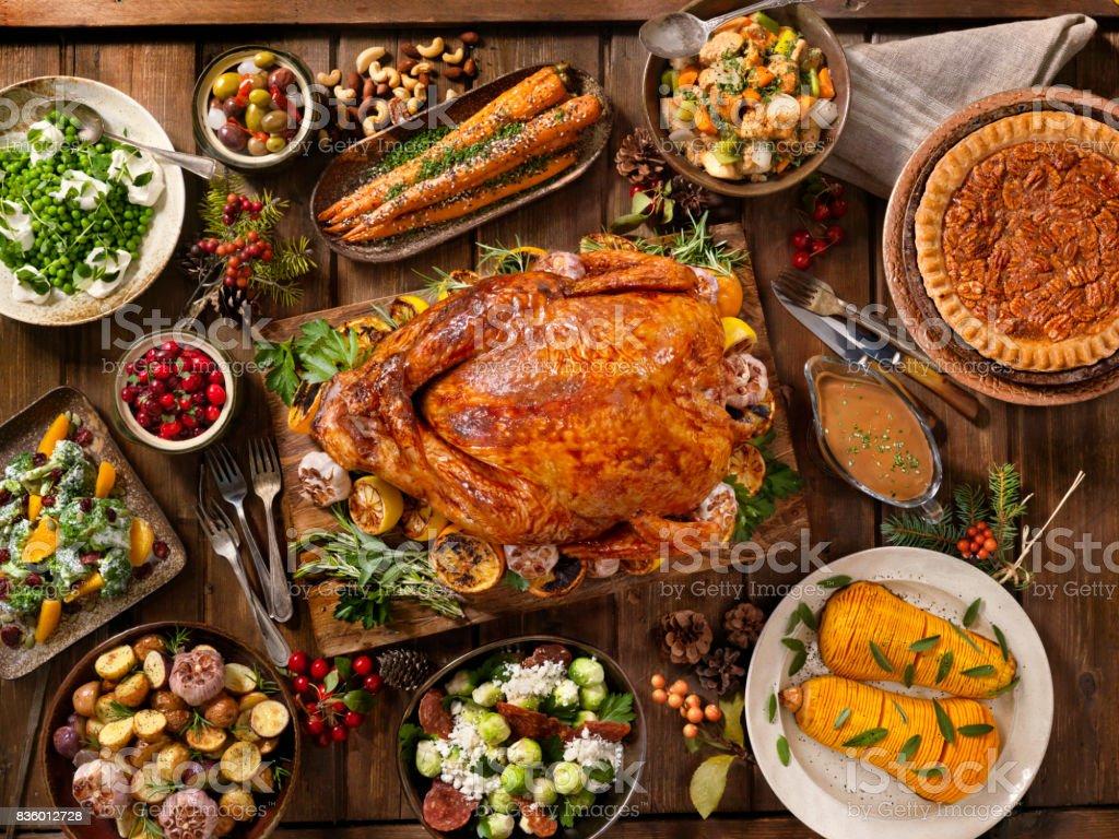 Holiday Turkey Dinner - Zbiór zdjęć royalty-free (Bankiet)