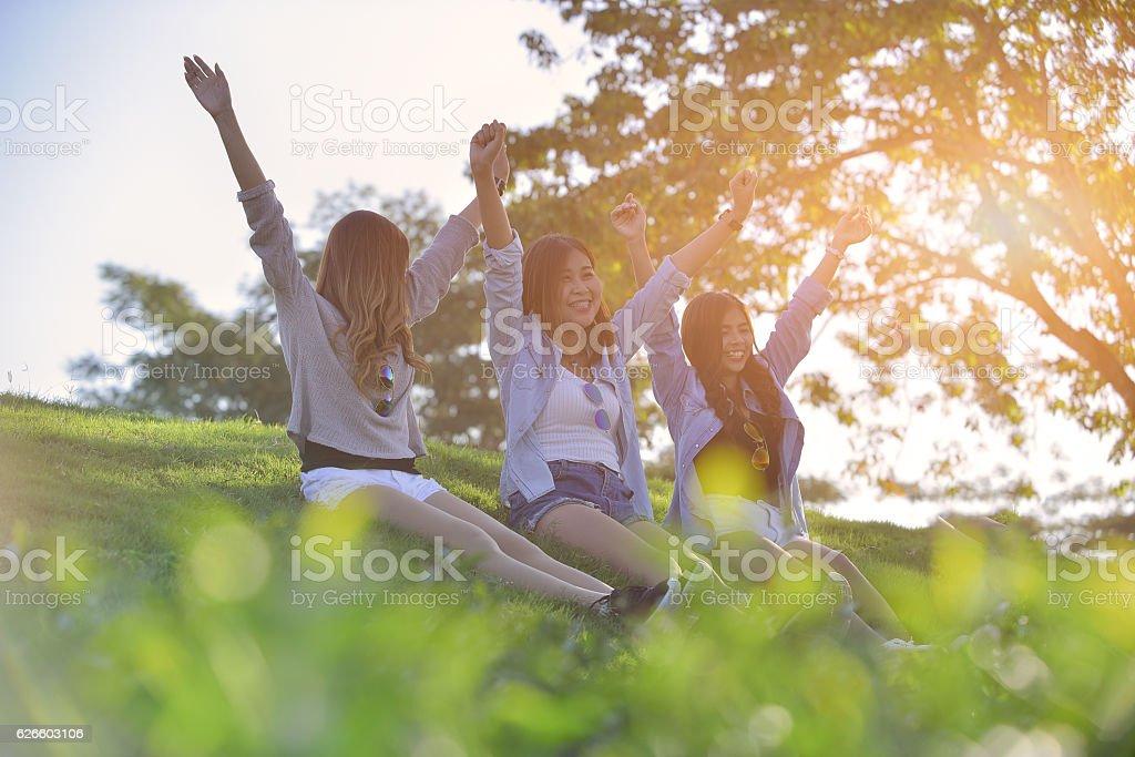 holidays and tourism, friendship concept - foto de stock