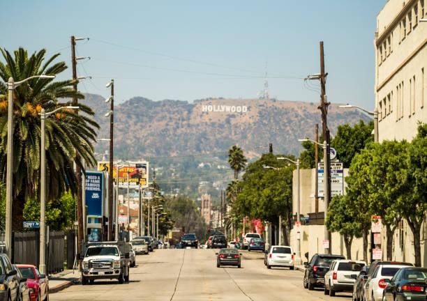 hollywood-skylten visa från gower street den 14 augusti 2017 - los angeles, la, kalifornien, ca, usa - hollywood sign bildbanksfoton och bilder