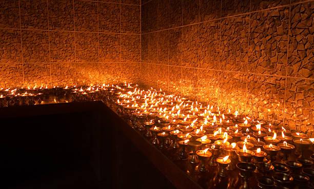 Lámparas de Ghee Sagrada - foto de stock