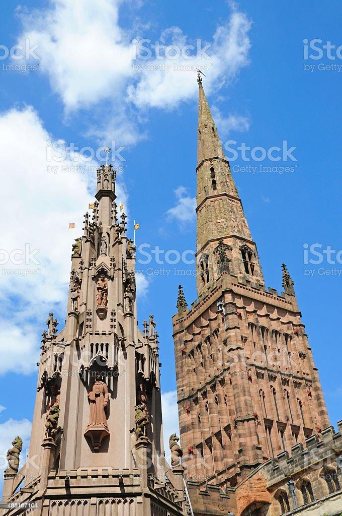 Holy Trinity Church and Coventry Cross. stock photo