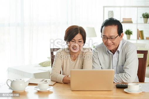 istock Home accounting 823296156