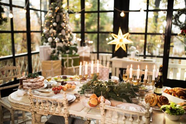 weihnachtsdekoration - weihnachten haus dekoration stock-fotos und bilder