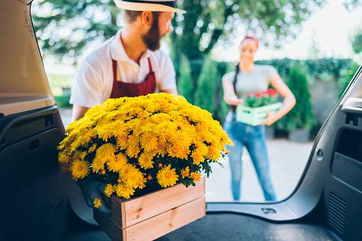 花の宅配 - 2人のストックフォトや画像を多数ご用意