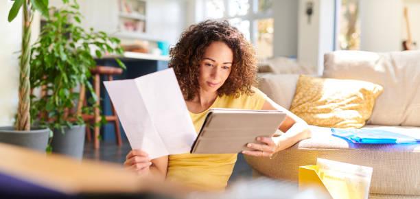 домашние финансы - письмо документ стоковые фото и изображения