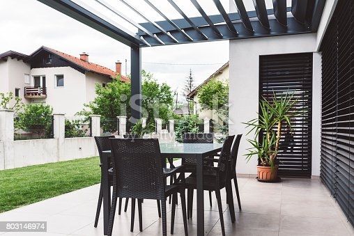 House, Residential Building, Front or Back Yard, Table, Built Structure, modern building, building exterior
