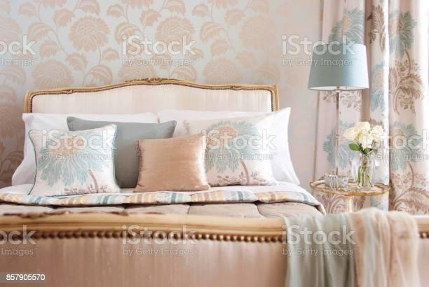 Home interior of a contemporary bedroom with furniture picture id857905570?b=1&k=6&m=857905570&s=612x612&h=qoaqyalod j6 ykiraqwgwcbpj0tttjxejio822ybri=