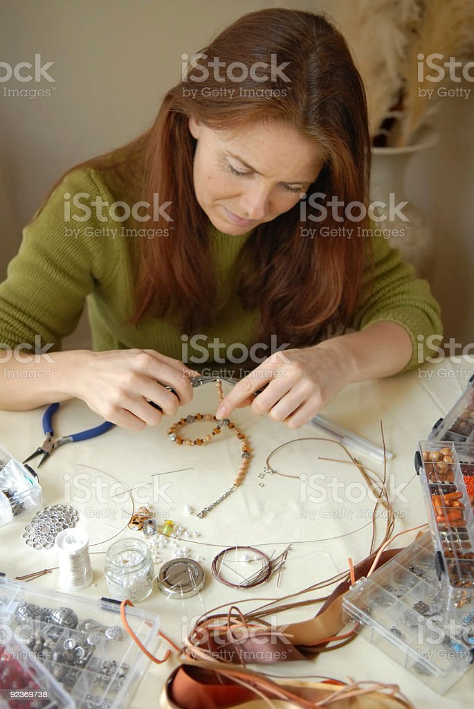 Hausgemachte Perlen Schmuck, als hobby Lizenzfreies stock-foto