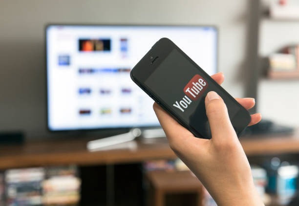 home media sharing technology - youtube stockfoto's en -beelden