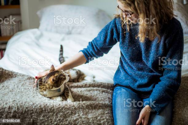 Home moments a girl and her cat sitting on a bed and looking at each picture id679486438?b=1&k=6&m=679486438&s=612x612&h=22iprr 68l47jbg vimde4pk rupryuzbcx 4lhkzfw=