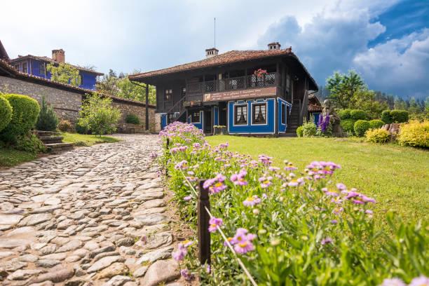 Heimat der Debelyanovs und ihres Gartens ohne Menschen – Foto