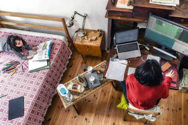 Home Office und Home Schooling – Foto