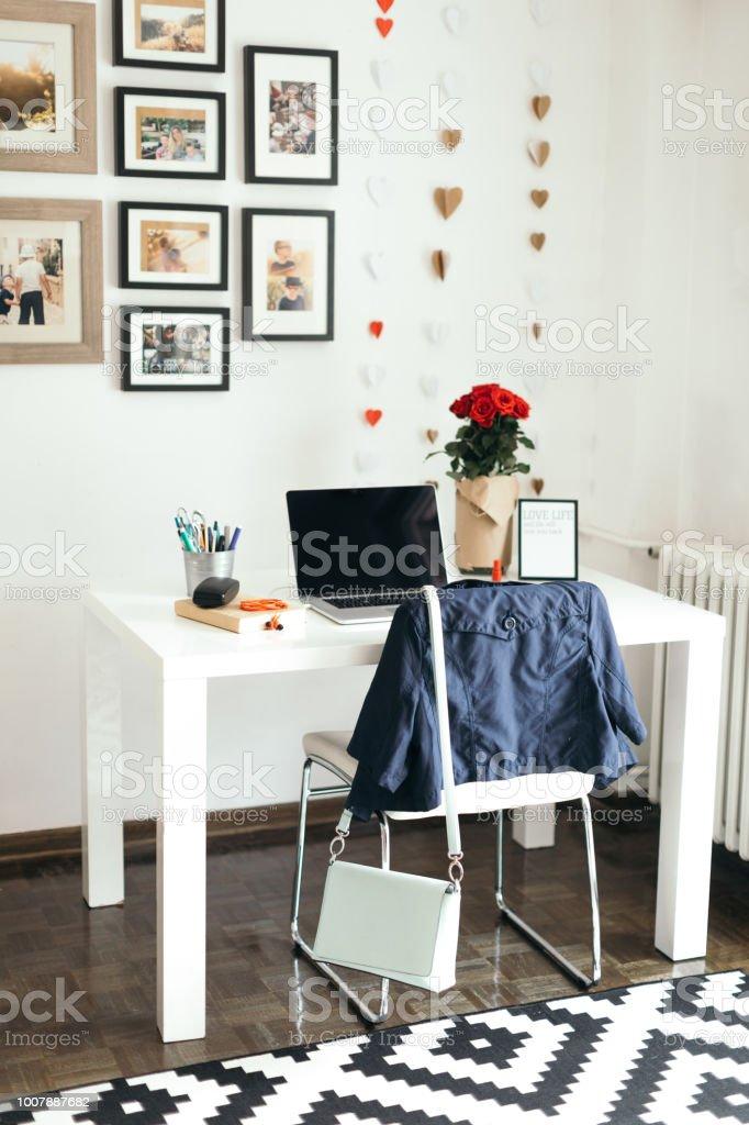 Home Office Desk Char And Laptop Zdjęcia Stockowe I Więcej