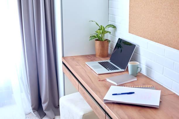 Home office laptop notebook and organizer on desk workspace picture id1219234144?b=1&k=6&m=1219234144&s=612x612&w=0&h=3f4ruhxet6lrhvjebizcosirmyt4kzf5lkdxn gg4q0=