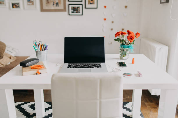 Home office picture id1131182671?b=1&k=6&m=1131182671&s=612x612&w=0&h=ttfjjewaki8 hygjoidhnrdexjmbgoidw4y3lvuhytg=