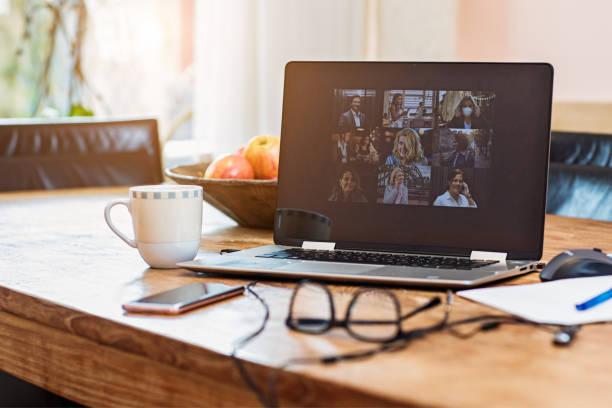 Home Office Für Webinar und Telekonferenz einrichten – Foto