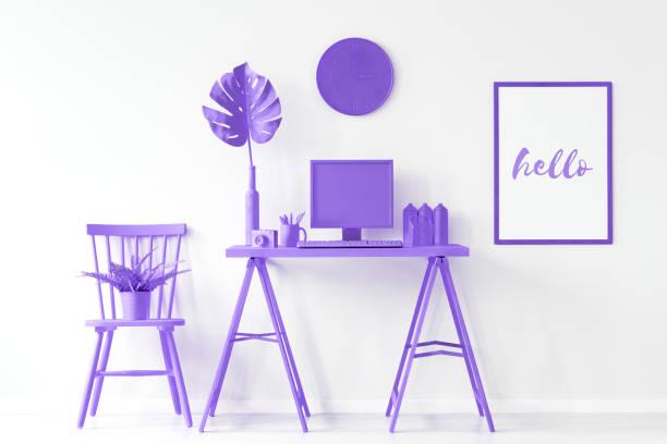 home-office mit lila möbel - lila mädchen zimmer stock-fotos und bilder