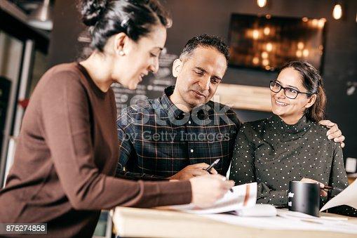 istock Home professional consultation 875274858