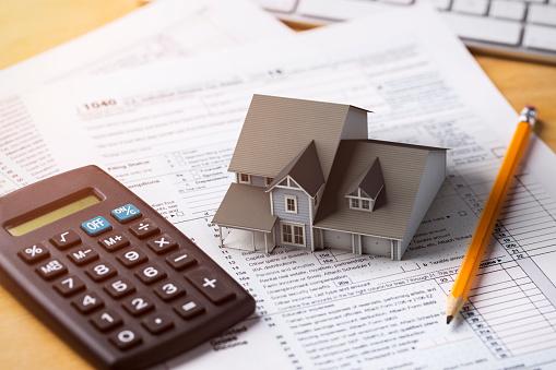 Hause Steuerlichen Abzug Hypothekenzinsen Stockfoto und mehr Bilder von Akten ablegen