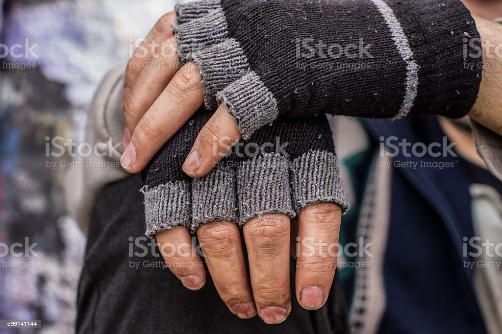 Homeless man hands – Foto