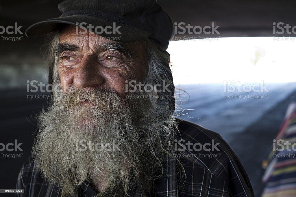 Homem sem teto - foto de acervo