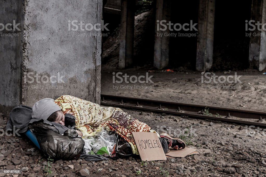 Homeless woman sleeping – Foto