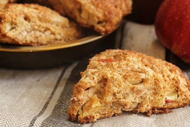 homemade apple cinnamon scones - scone bildbanksfoton och bilder