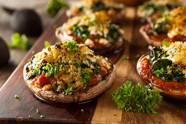 Maison des champignons portobello farcis au four - Photo