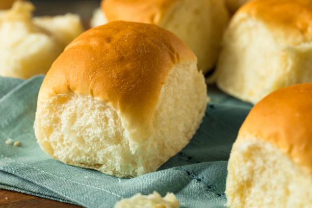 homemade baked sweet hawaiian buns - söt bulle bildbanksfoton och bilder