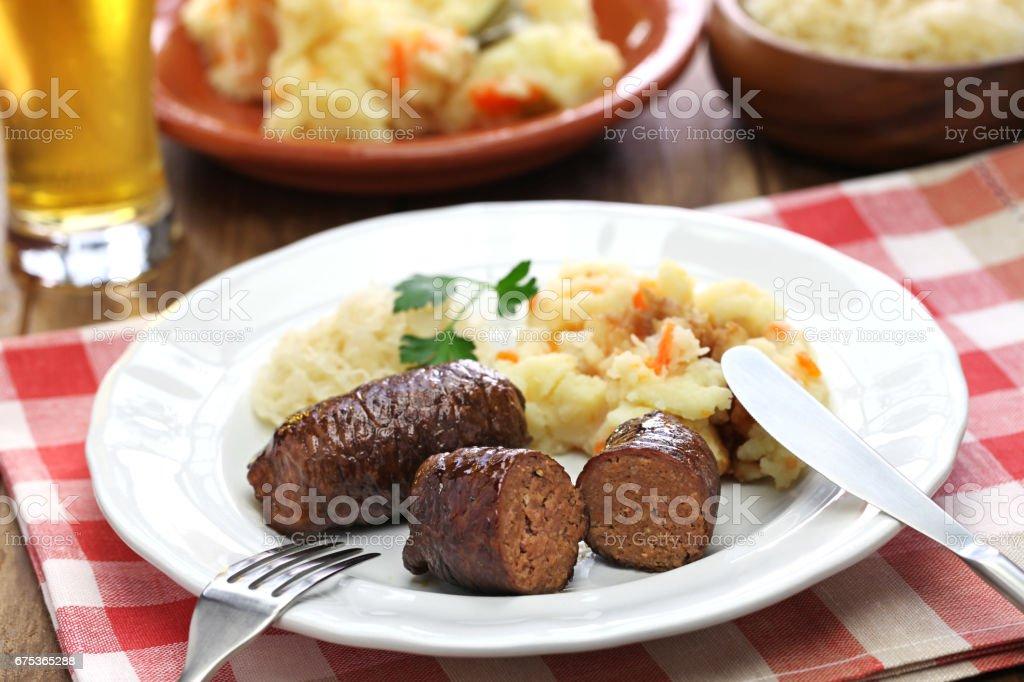 rolo de carne caseiro, rundervink, cozinha holandesa - foto de acervo