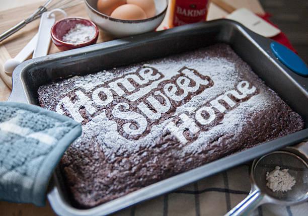 hausgemachte kuchen - tarte und törtchen stock-fotos und bilder