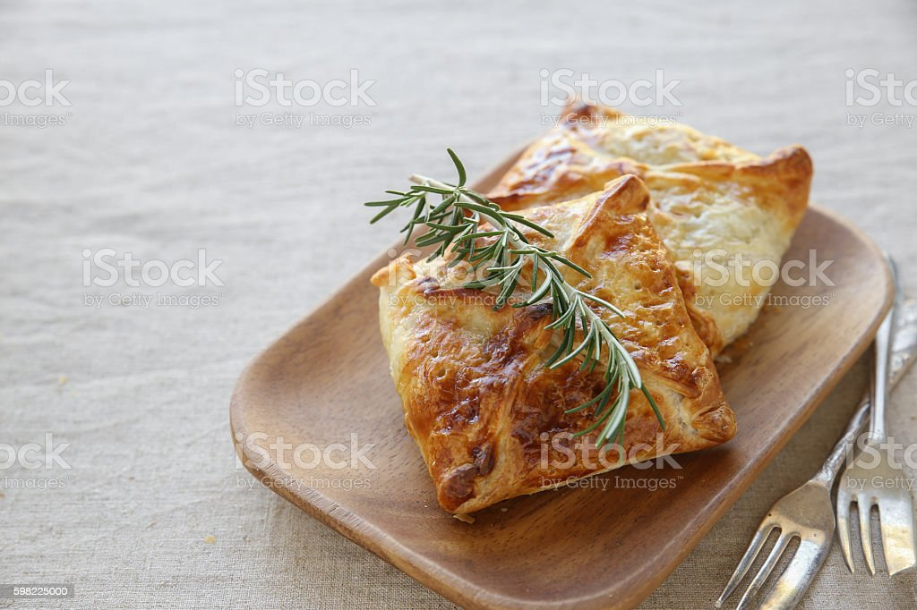 Homemade chicken puff pie, selective focus foto royalty-free