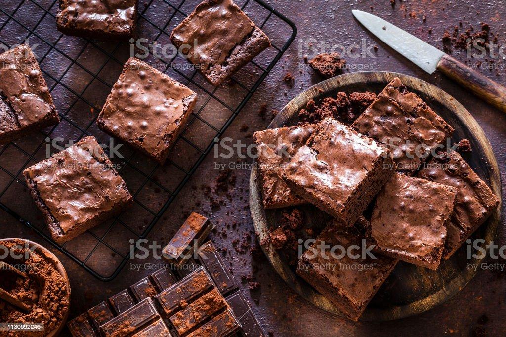 Ev yapımı çikolatalı kek yukarıdan vurdu - Royalty-free Atıştırmalıklar Stok görsel