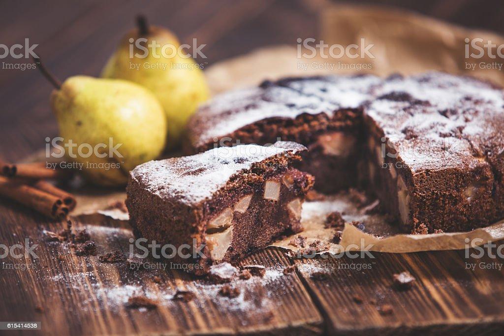 Homemade chocolate pie with pears and cinnamon - foto de acervo