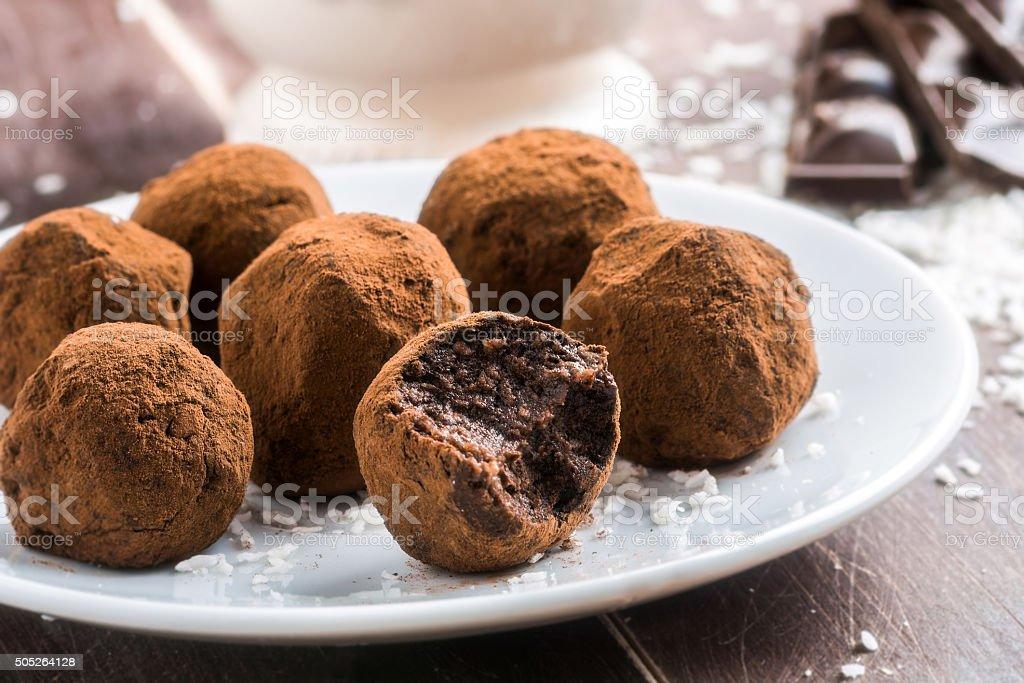 Trufas de chocolate caseiro - foto de acervo