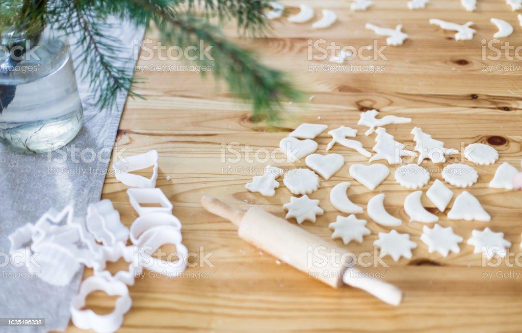Kinder Weihnachtskekse.Hausgemachte Weihnachtskekse Für Kinder Stockfoto Und Mehr Bilder