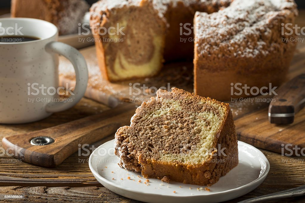 Homemade Cinnamon Coffee Cake - foto de acervo