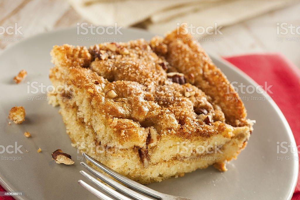 Caseira com bolo de café e canela - foto de acervo