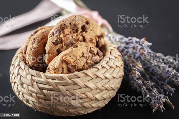 Domowe Ciasteczka Na Czarnym Tle - zdjęcia stockowe i więcej obrazów Bez ludzi