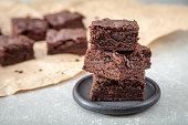 自家製のおいしいチョコレートのブラウニー。クローズ アップ チョコレート ケーキ