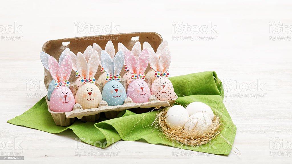 Hausgemachte Ostern Hasen und Eier – Foto